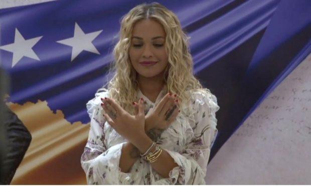 """""""VENDOSNI KOSOVËN NË HARTË""""/ Rita i bashkohet fushatës ndaj Apple, përmend edhe këngëtaret shqiptare"""