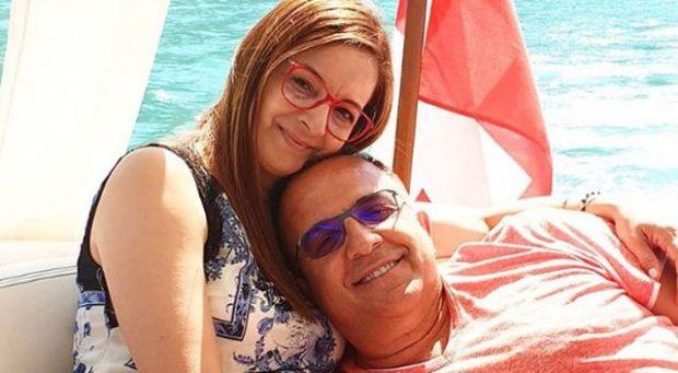 PAS 46 TË DIELAVE NË PUNË/ Ardit Gjebrea më në fund po pushon dhe ka 2 fjalë për bashkëshorten (FOTO)
