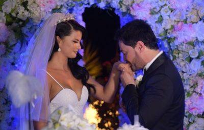 """""""JEMI FESTA E JETËS SË NJËRI-TJETRIT…""""/ Andrra Destani emocionon me dedikimin për Sinanin në 5 vjetorin e martesës"""