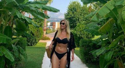 """51 VJEÇE POR SFIDON VAJZAT E REJA/ Manjola Nallbani, pozon me bikini dhe lë """"pa fjalë"""" ndjekësit (FOTO)"""