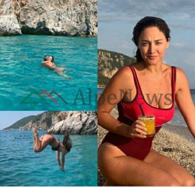 NGA PUTHJET ME ALBANIN TEK HEDHJA NË DET ME…/ Pushimet e gjata të Beta Sulos në rivierën Shqiptare (VIDEO+FOTOT)