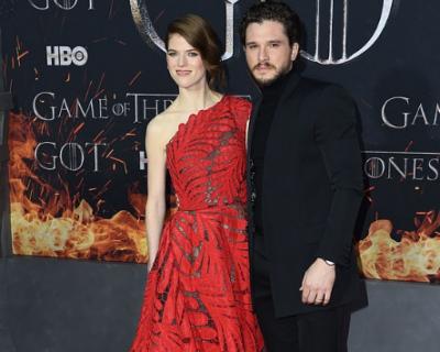 PRINDËR PËR HERË TË PARË/ Dy yjet e Game of Thrones në pritje të ëmbël (FOTOT)