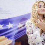 "ARTIKULL PËR KOSOVËN/ Revista prestigjoze ""Forbes"": Vizitojeni, Rita Ora vjen prej andej"