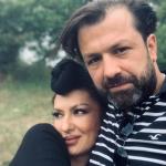 """""""ËSHTË I VETMI QË I HEQ KAPELEN""""/ Adelina Ismajli flet për herë të parë publikisht për bashkëshortin: Është tre vjet më i ri se unë… (FOTOT)"""