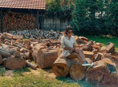 """LARG DETIT DHE QYTETIT/ Rudina Dembacaj zbulon me një FOTO se cili është """"habitati"""" i saj i preferuar"""