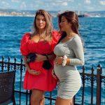 """""""SHOQE TË NGUSHTA…""""/ Elita Rudi ka postuar FOTON e veçantë me motrën ku të dyja janë… shtatzëna"""