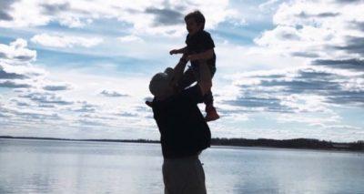 JEP LAJMIN E ËMBËL/ Reperi i njohur shqiptar bëhet baba për herë të dytë (FOTO+VIDEO)