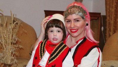 SHEMBULL PËR TU NDJEKUR/ Si e mëson Vesa Luma të birin të mos harrojë kurrë shqip (FOTO)