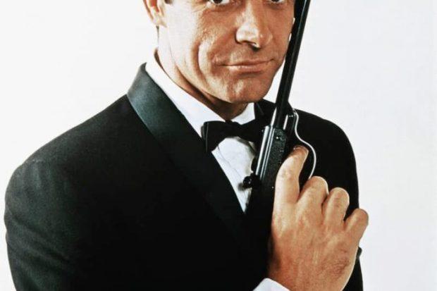 """KINEMATOGRAFIA BOTËRORE NË ZI/ Shuhet në moshën 90-vjeçare """"James Bond""""-i i parë (FOTO)"""