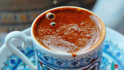 PËR NJË JETË SA MË TË GJATË/ Zbuloni faktet interesante që duhet t'i dini për përdorimin e kafesë dhe ndikim në organizëm