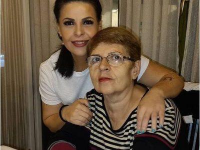 """""""U RRITËM NGA NJË GRUA E FORTË…""""/ Në ditën e lindjes së të ëmës Aurela Gaçe nuk resht së shkruari fjalë zemre"""