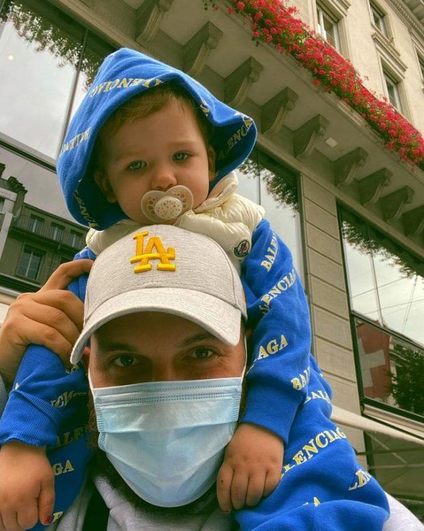 """""""JE KRENARIA IME…""""/ Në dy vjetorin e lindjes Mozzik poston FOTON e veçantë me Hanën dhe e uron me fjalë të ngrohta"""