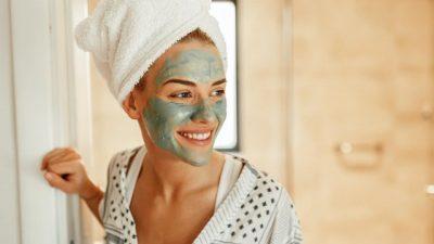 PËR EFEKTE MAKSIMALE/ Ja çfarë duhet të dini për trajtimet e fytyrës në kushte shtëpie