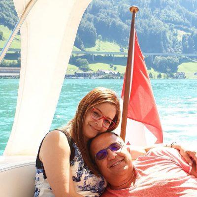 """""""TRËNDAFILA NGA ZEMRA IME….""""/ Ja si e kanë pritur 30-vjetorin e martesës Arditi dhe Anila Gjebrea (FOTOT)"""