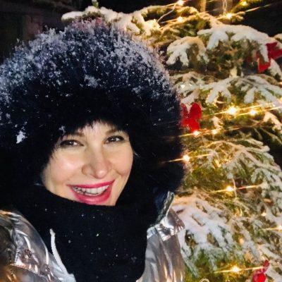 """""""JETA E NATËS…""""/ Rudina Magjistari ndan momentet e bukura me bashkëshortin duke u argëtuar në dëborë"""