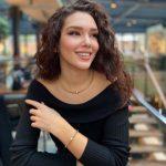 I RIKTHEHET ORIGJINALIT/ Nevina Shtylla tashmë ka një look të sajin, të cilin dhe ju do e preferoni (FOTOT)