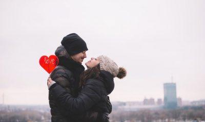 DHURATA TË PERSONALIZUARA PËR SHËN VALENTININ/ Ja çfarë mund t'i dhurosh njeriut të zemrës