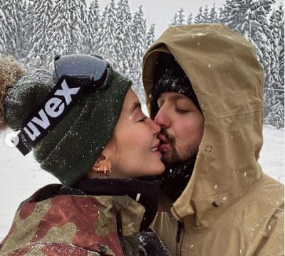 """""""PRANOJ…""""/ Dafina Zeqiri pranë martesës, Dj Geek i bën propozimin romantik"""