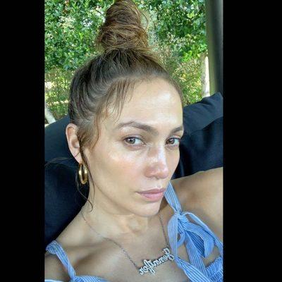 BOTOX APO VAJ ULLIRI/ Ja çfarë po e mban të re lëkurën në fytyrën e Jennifer Lopez