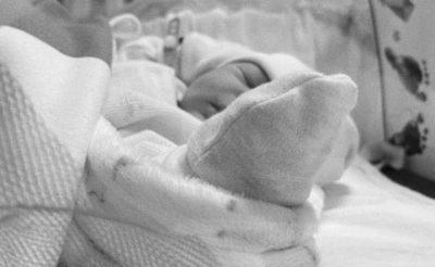 LAJM I ËMBËL/ Vjen në jetë Zoi, stilistja shqiptare bëhet nënë për herë të parë (FOTO)