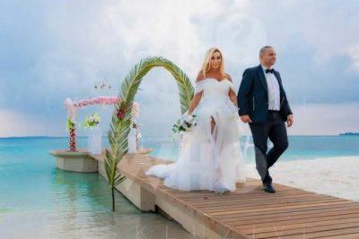 PUSHIME ROMANTIKE/ Fjolla dhe Fisnik u martuan në Maldive dhe publikojnë pamjet janë përrallore (FOTO)