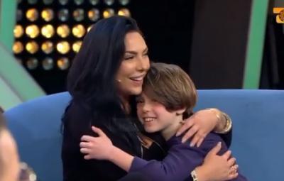 """""""TË KAM…""""/ Ingrit Gjoni merr dedikimin më të ëmbël nga i biri në emision (VIDEO)"""