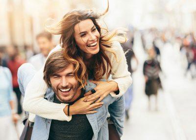DONI TË JENI TË LUMTUR? Këto 5 gjëra duhet t'i bëni patjetër bashkë si çift