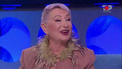 """""""GRATË PARAGJYKOJNË…""""/ Konkurentja 64-vjeçare e """"Për'puthen +40"""" reagon pas publikimit të VIDEOS nudo: Nuk e di kush…"""