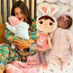 U BË NËNË PËR HERË TË PARË/ Elona Pitarka ndryshon look pas lindjes dhe duket ndryshe (VIDEO)