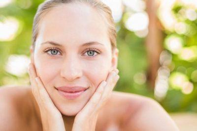 VËMËNDJE! Këto janë 6 arsye përse lëkura juaj ka nevojë për vitaminë C