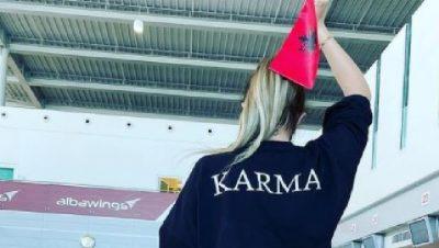 """""""LE TË FILLOJË…""""'/ Me flamurin shqiptar në dorë, Anxhela Peristeri niset drejt Holandës për në """"Eurovision"""" (FOTO)"""