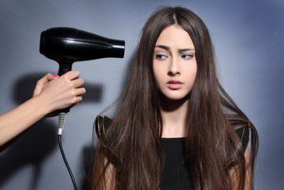 KENI GABUAR DERI MË TANI/ Kjo është mënyra e duhur për t'i tharë flokët