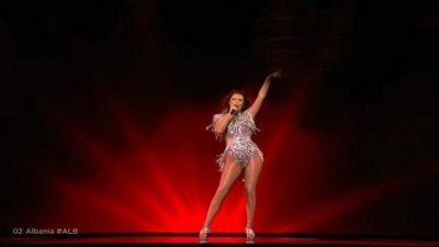 """NDEZI SKENËN NË FINALEN E """"EURIVISION 2021″/ Anxhela Peristerit pas performancës: Do ta mbaj mend gjithë jetën time"""