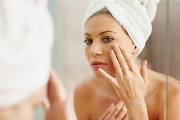 JO VETËM DIELLI/ Këto 5 gjëra mund t'ju dëmtojnë lëkurën gjatë verës