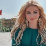 """""""MEZI PO PRESIM…""""/ Orinda Huta publikon VIDEON emocionuese teksa bebi i gjuan në bark"""
