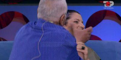 """""""MANIAK SEKSUAL""""/ Giuseppe çohet në mes të emisionit të puthë në buzë Shqipen"""