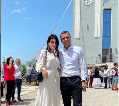 """""""ME VULLNETIN E ZOTIT…""""/ Rudina Dembacaj tregon me këtë FOTO se kur do bëhet nënë për herë të dytë"""
