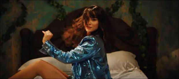 """""""PRIT PAK""""/ Ja pse ndjekësit thonë që kjo skenë e videoklipit të Xhensilës është e kopjuar (FOTOT)"""