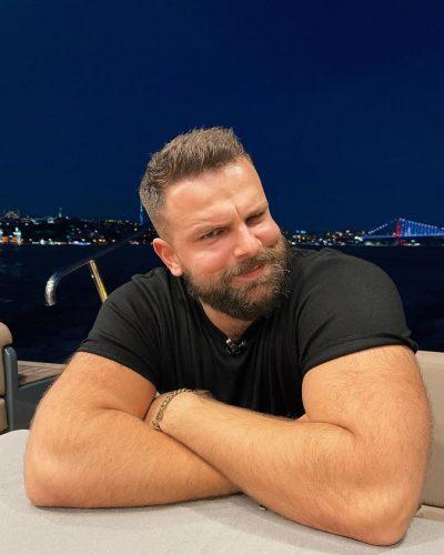 """NUK NDALET/ Pas fitores në """"Kënga Magjike"""" Alban Ramosaj paralajmëron diçka të re"""
