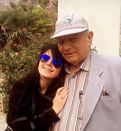 """""""BOSHLLËKUN QË LE…""""/ Në ditën e saj të lindjes, Rudina Dembacaj prek me fjalët dedikuar babait të ndjerë"""