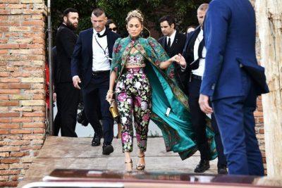 INCIDENTI ME VESHJEN/ Jennifer Lopez harron të heqë etiketën nga… (FOTOT)