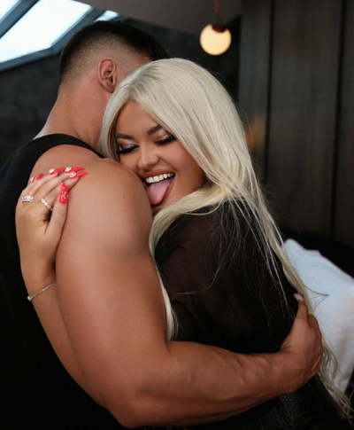 HABIT ENCA/ Merr vendimin e papritur, këngëtarja ka vendosur të pranojë propozimet për martesë (VIDEO)