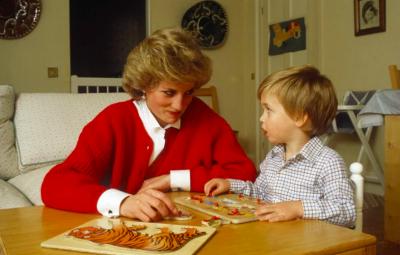 DO I ADHURONI/ 15 pulovra të Lady Diana-s nga të cilat mund të frymëzoheni për sezonin vjeshtë-dimër