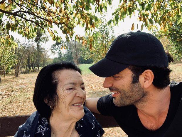 """""""NUK PATA FORCË…""""/ Ramë Lahaj i dedikon këto fjalë nënës së ndjerë (FOTO)"""